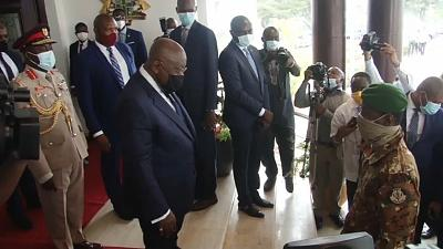 ECOWAS leaders meet with Mali junta on deadline day