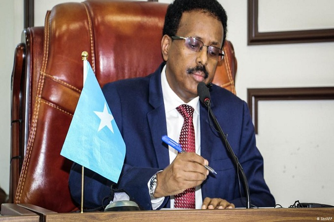 somalias president suspends powers of his prime minister mohamed roble