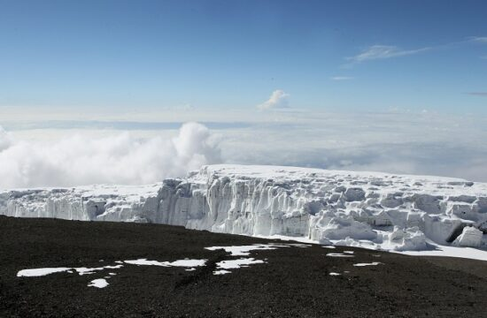 un report states that three glaciers in africa on verge of meltdown